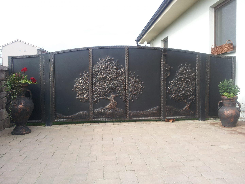 Helius.sk - kovaná brána plná - R8