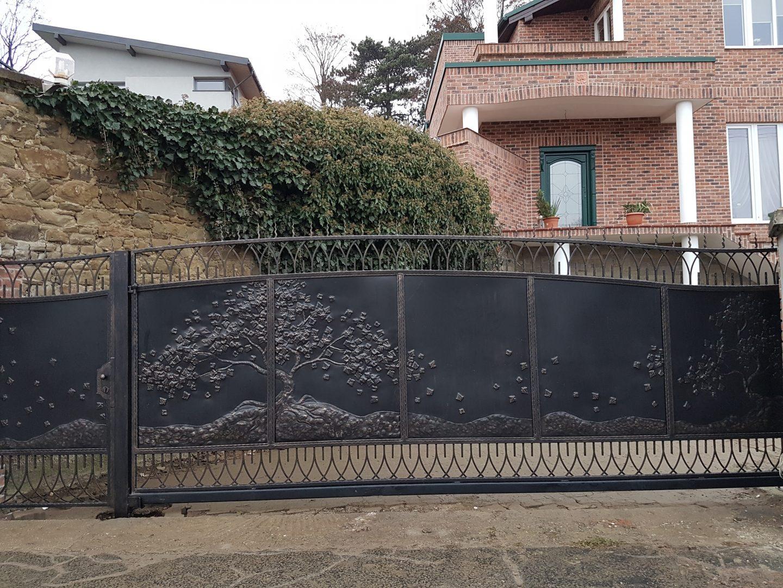 Helius.sk - kovaná brána plná - R10