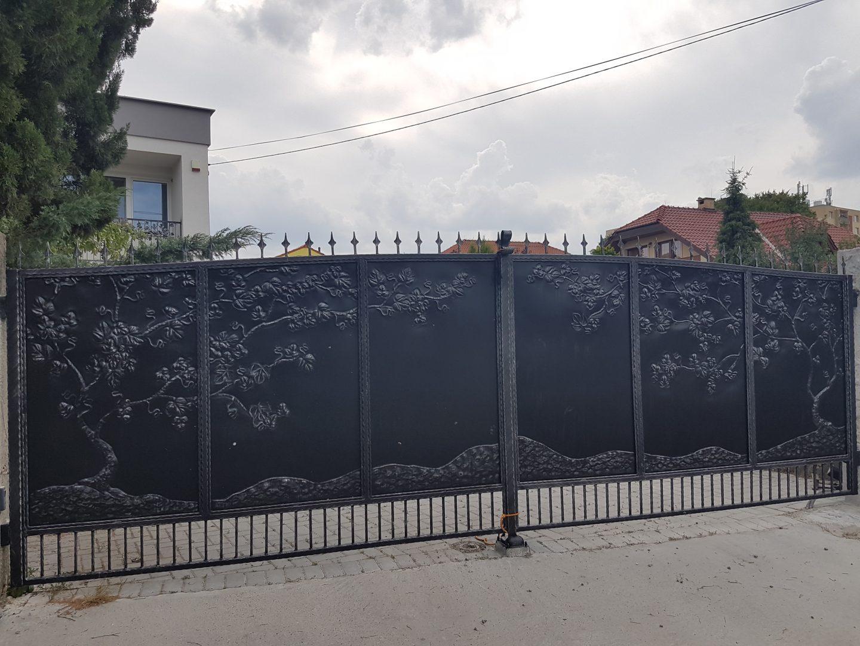Helius.sk - kovaná brána plná - R13
