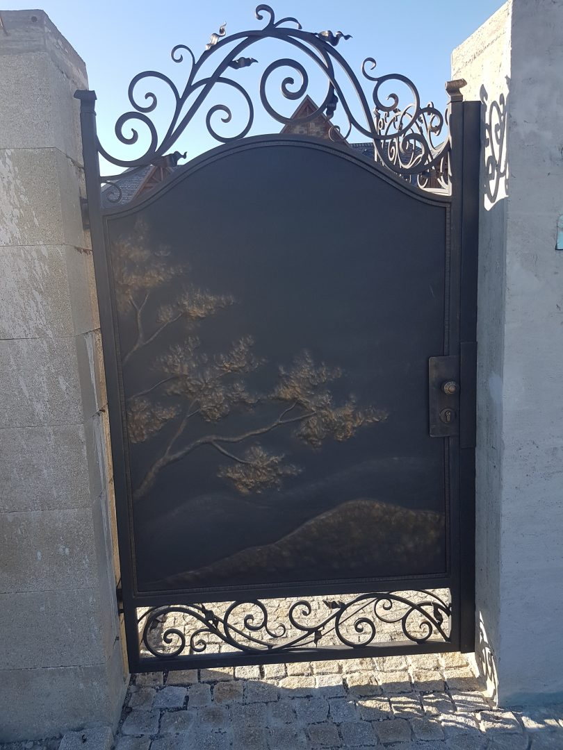 Helius.sk - kovaná brána plná - R3