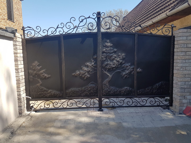 Helius.sk - kovaná brána plná - R4