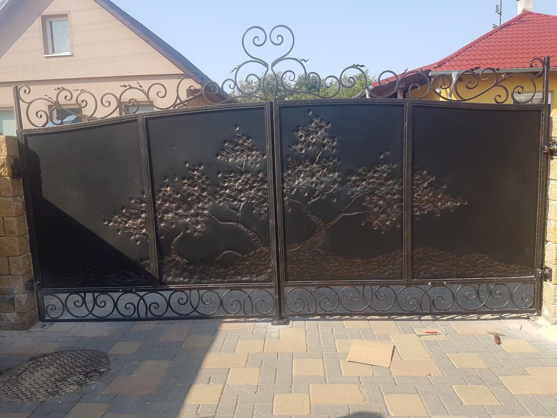 Helius.sk - kovaná brána plná - R6