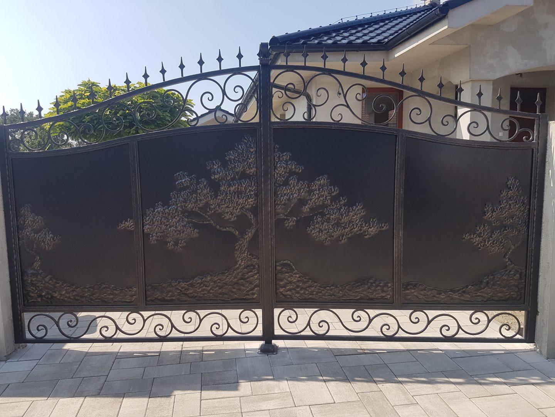Helius.sk - kovaná brána plná - R5