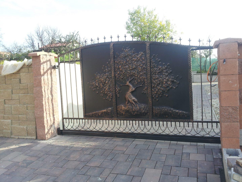 Helius.sk - kovaná brána plná - R26
