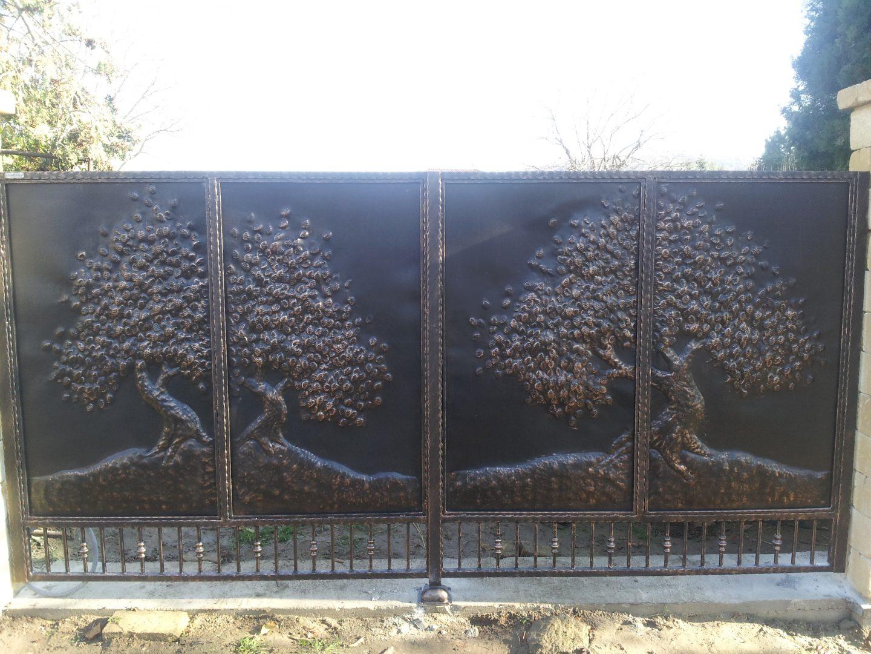 Helius.sk - kovaná brána plná - R46