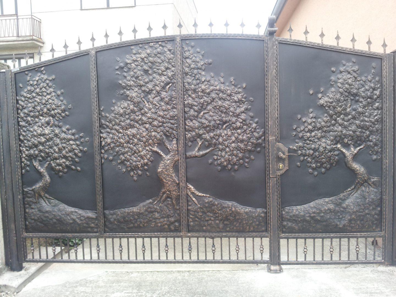 Helius.sk - kovaná brána plná - R45