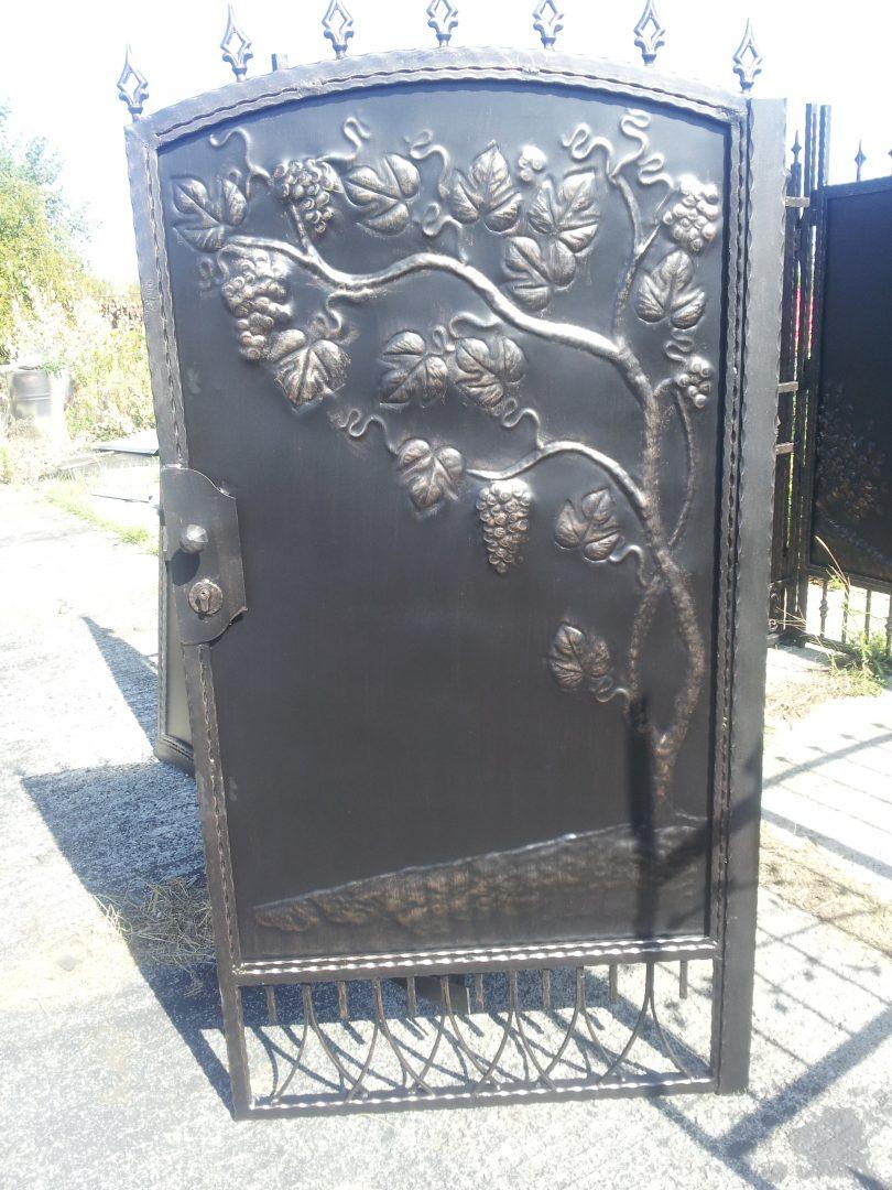 Helius.sk - kovaná brána plná - R39