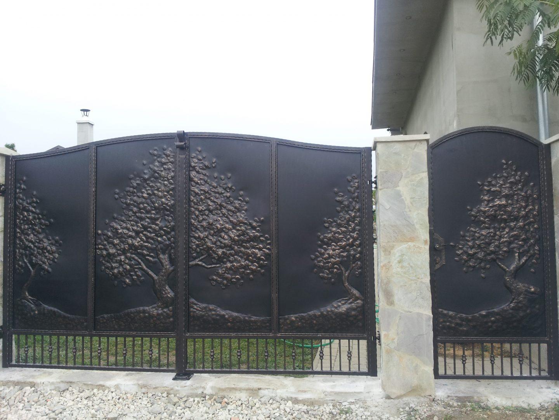 Helius.sk - kovaná brána plná - R41