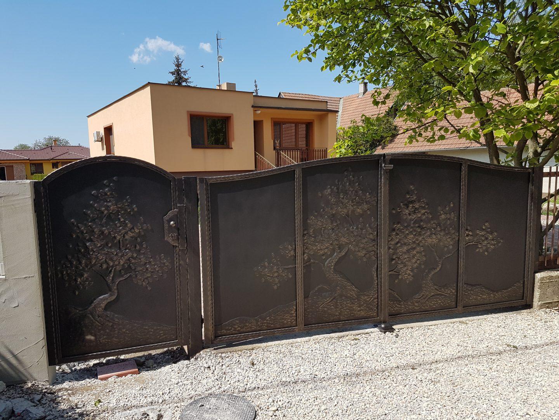 Helius.sk - kovaná brána plná - R54