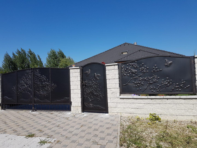 Helius.sk - kovaná brána plná - R37
