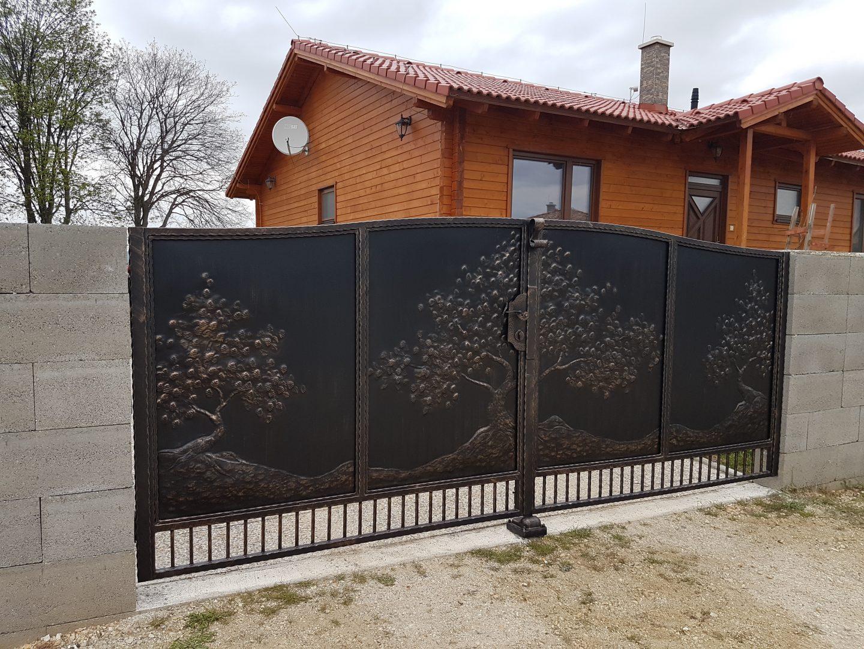 Helius.sk - kovaná brána plná - R51
