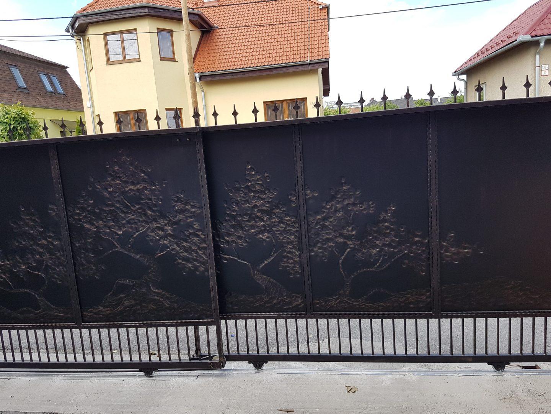 Helius.sk - kovaná brána plná - R36