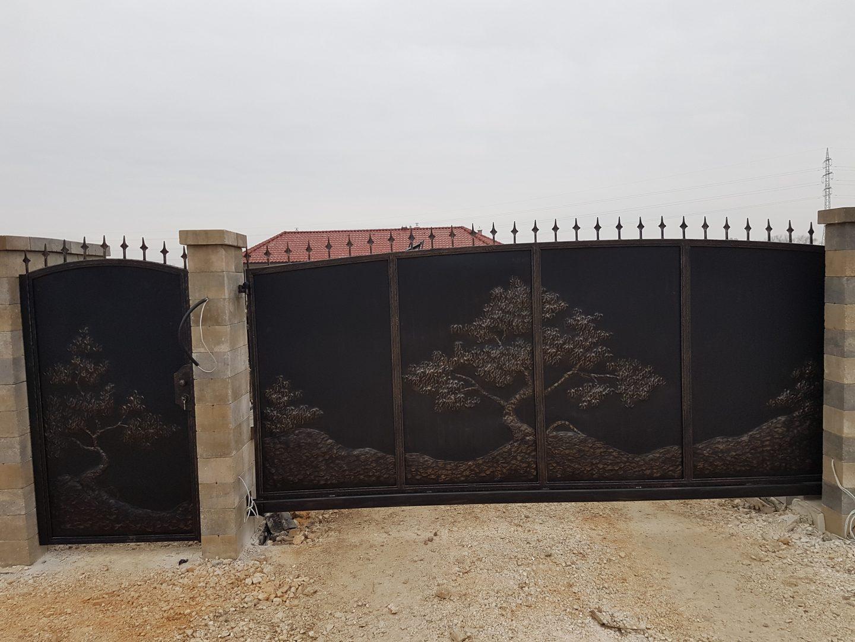 Helius.sk - kovaná brána plná - R35