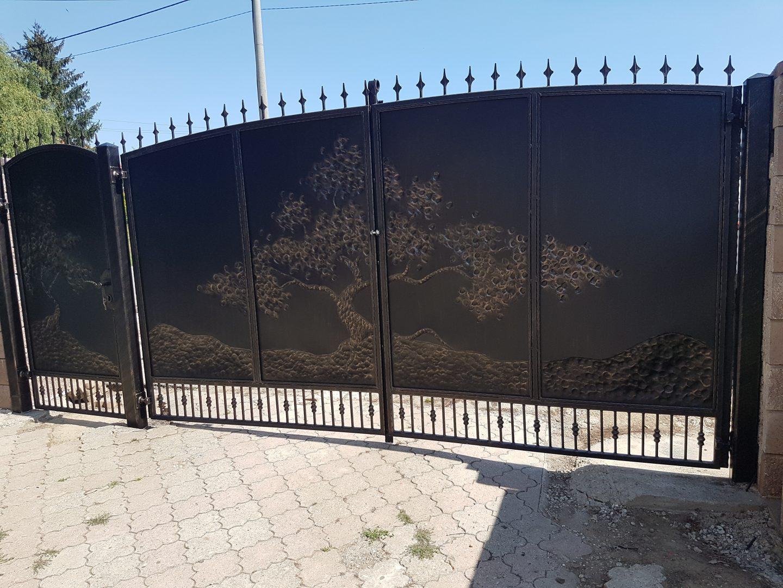 Helius.sk - kovaná brána plná - R31