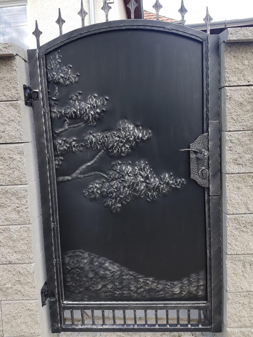 Helius.sk - kovaná brána plná - R23