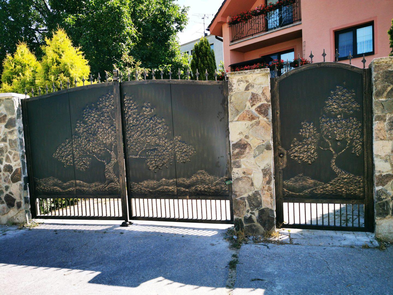 Helius.sk - kovaná brána plná - R59