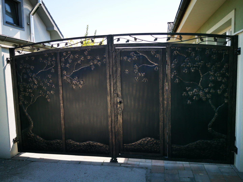 Helius.sk - kovaná brána plná - R58