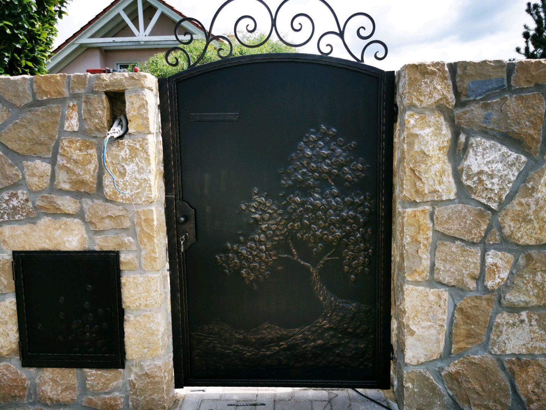 Helius.sk - kovaná brána plná - R62