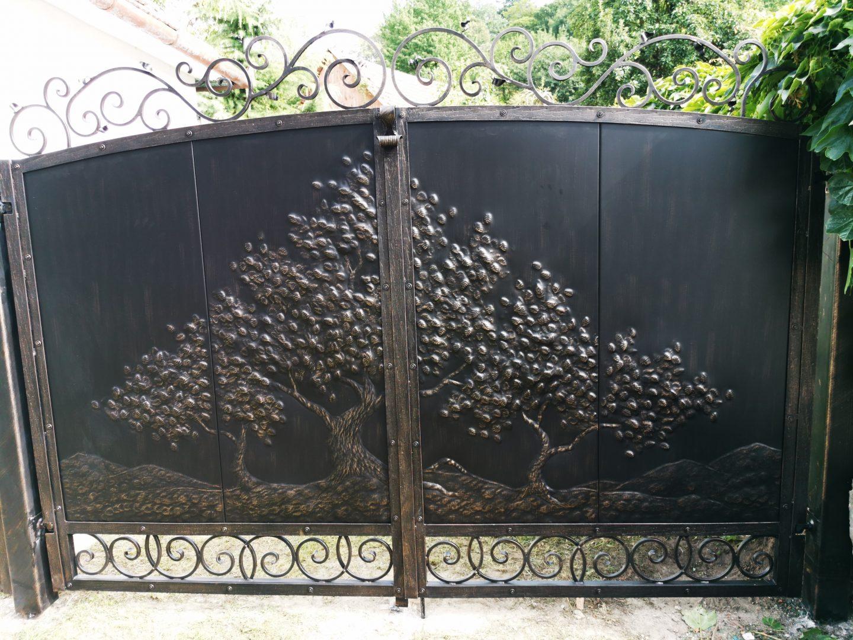 Helius.sk - kovaná brána plná - R63
