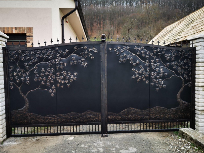 Helius.sk - kovaná brána plná - R68