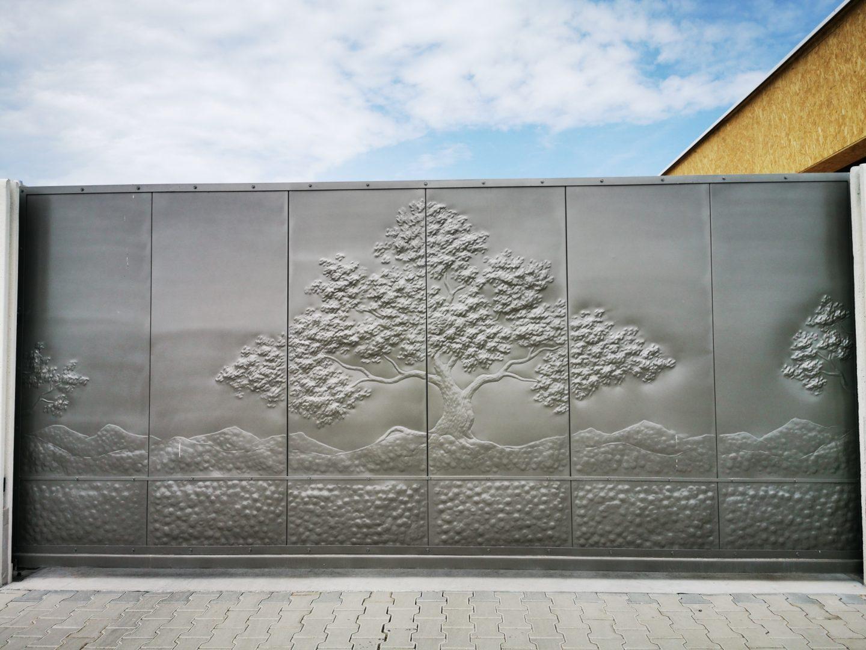 Helius.sk - kovaná brána plná - R81