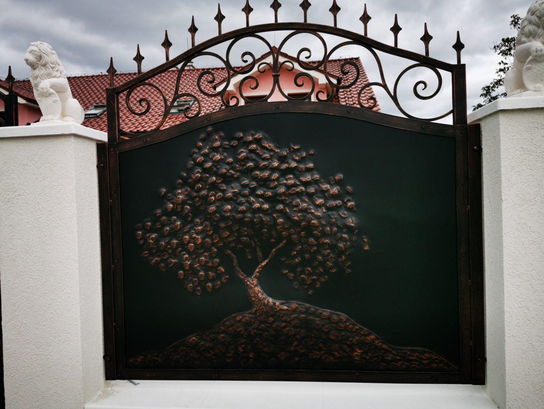 Helius.sk - kovaná brána plná - R80