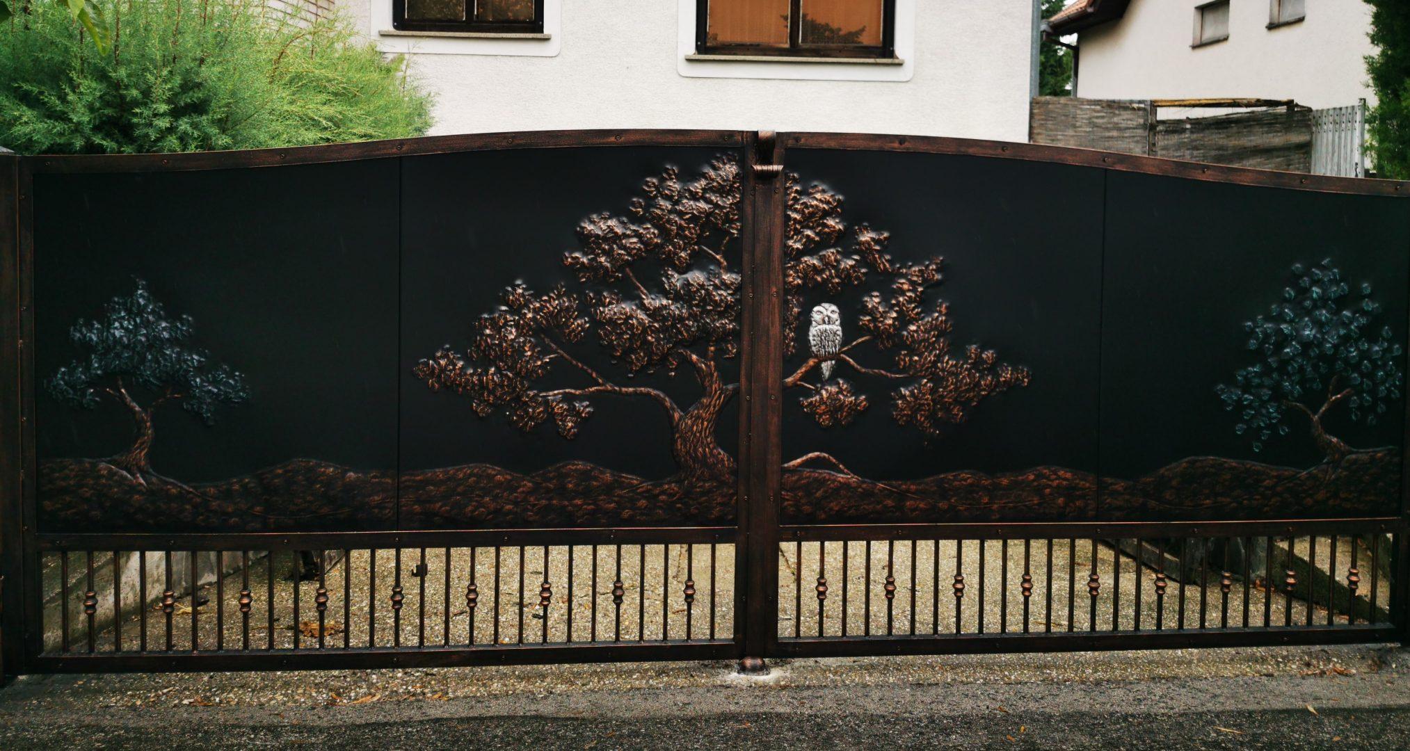 Helius.sk - kovaná brána plná - R84