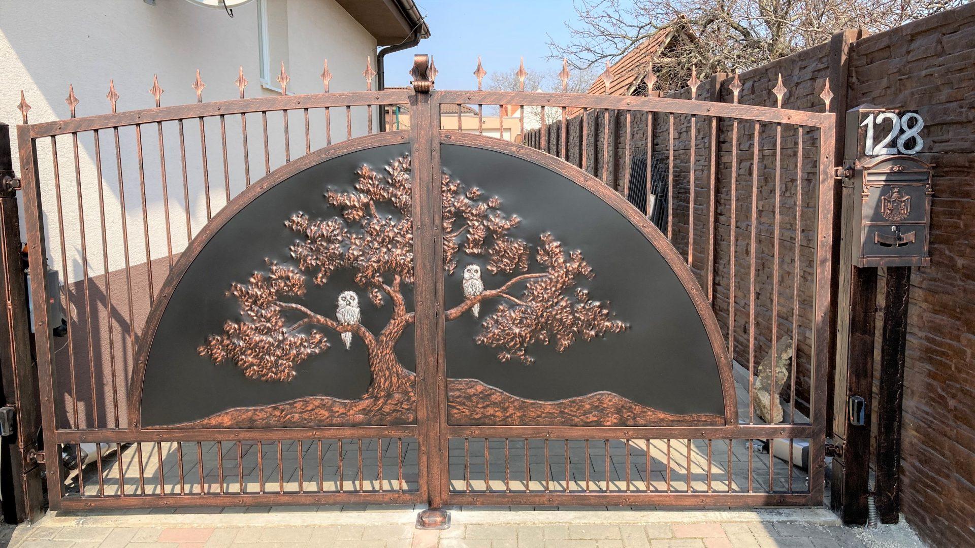 Helius.sk - kovaná brána plná - R91